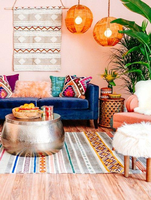 Maak gebruik van vintage meubels in je bohemian interieur. Deze twee gaan perfect samen.