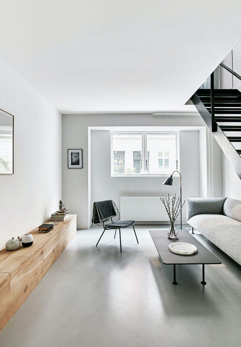 Een betonvloer staat goed in een modern interieur.