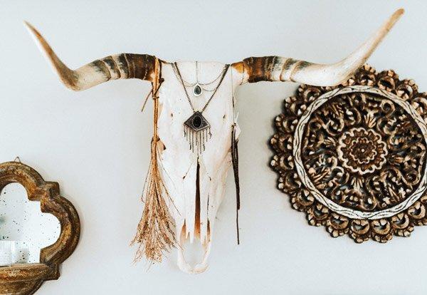 Maak gebruik van veel accessoires in jouw bohemian interieur.