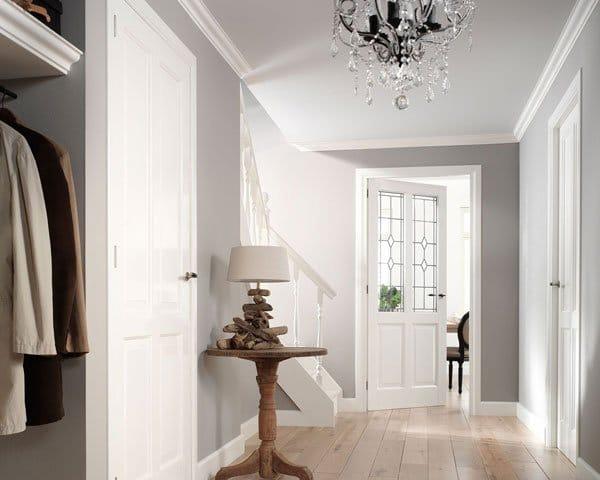 Plaats een klassieke deur voor een klassiek interieur.