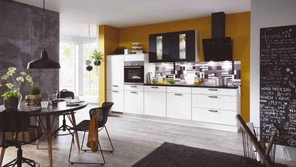 Bij een modern interieur hoort een moderne keuken.