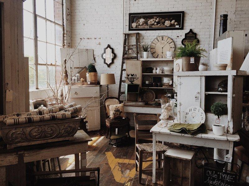 Voeg vintage accessoires toe aan je vintage interieur.
